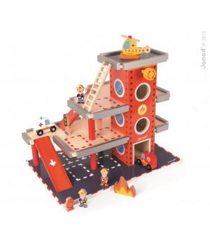 Drevená požiarna stanica s...